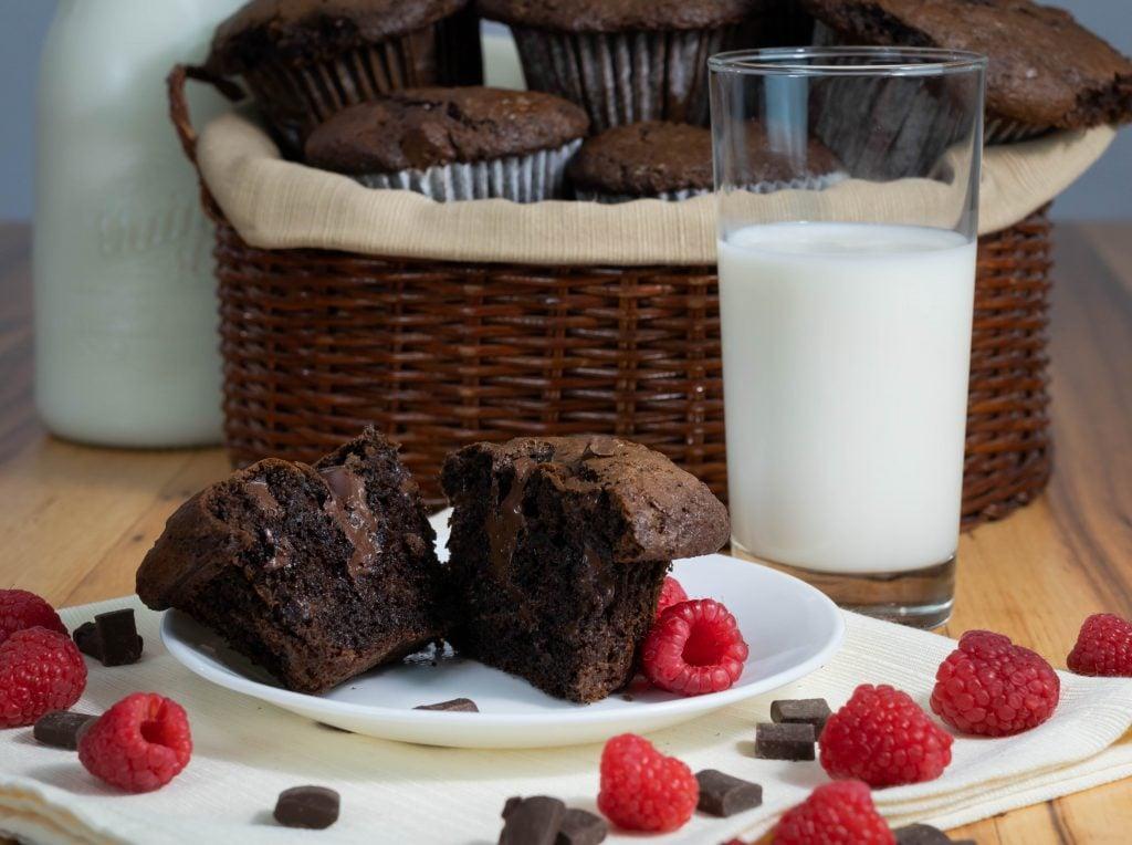 Costco copycat jumbo chocolate chunk muffins recipe