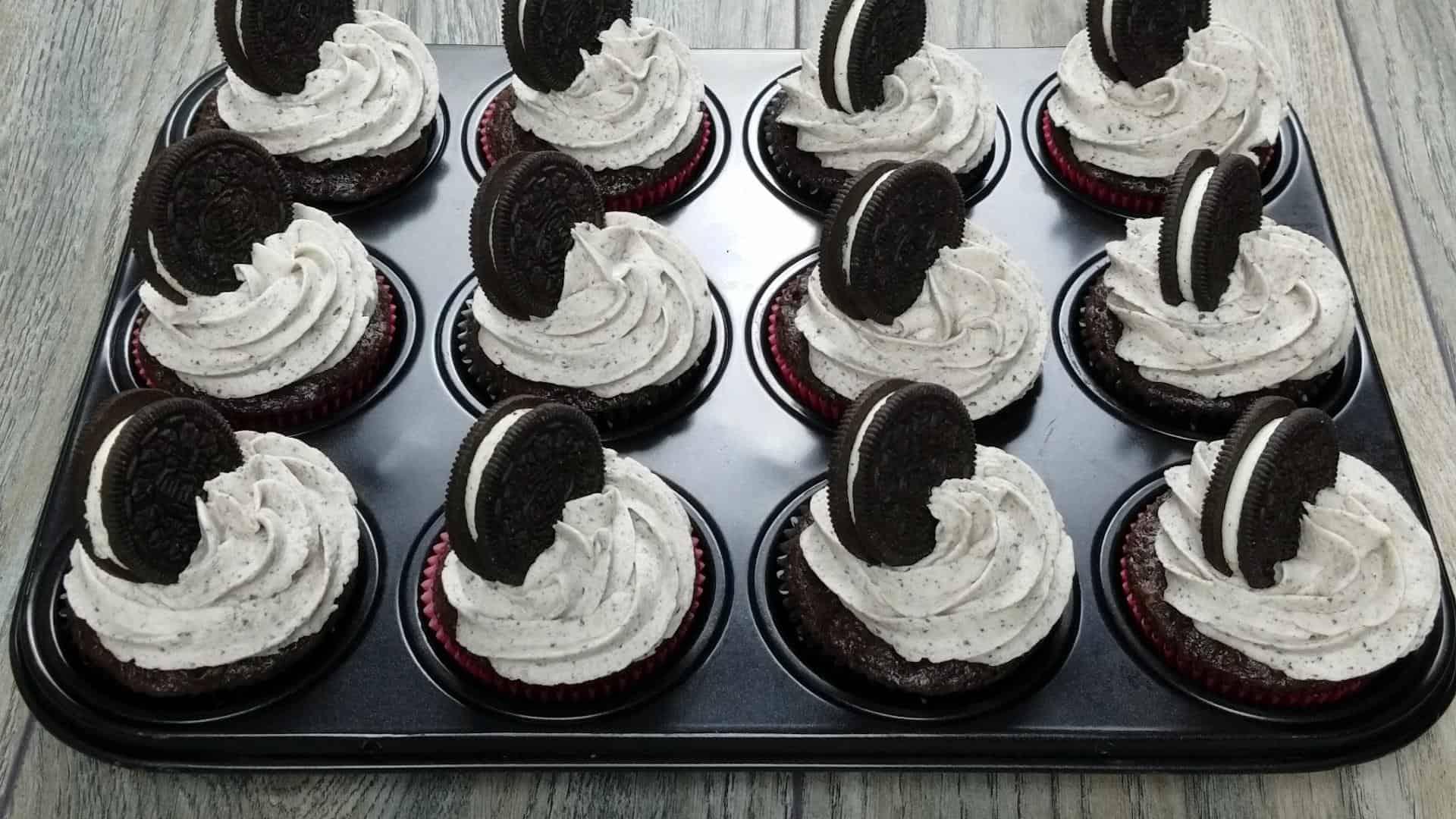 Oreo Buttercream Cupcakes Video Tutorial