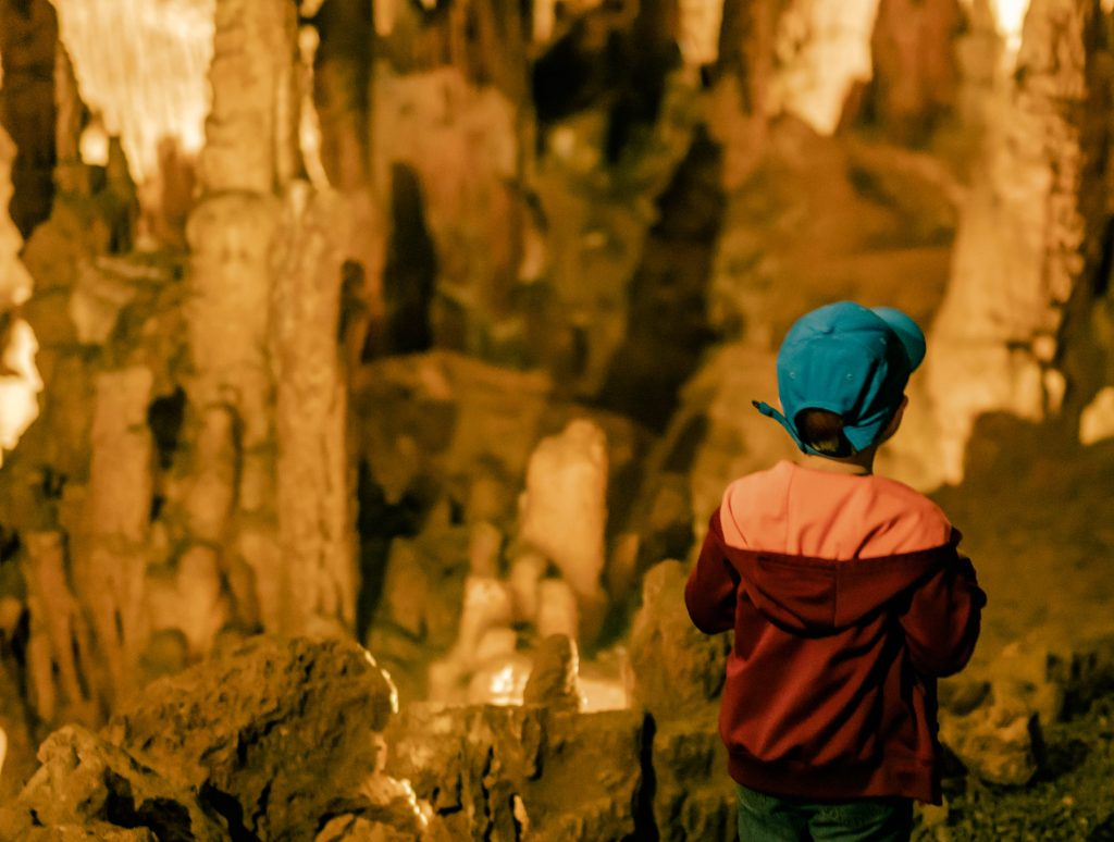 Shenandoah Valley Grand Cavern cave explore