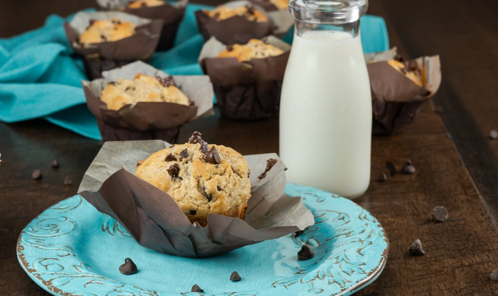 These moist and delicious chocolate chip muffins are made Bakery-Style with semi-sweet chocolate chips and are topped with crystallized sugar.