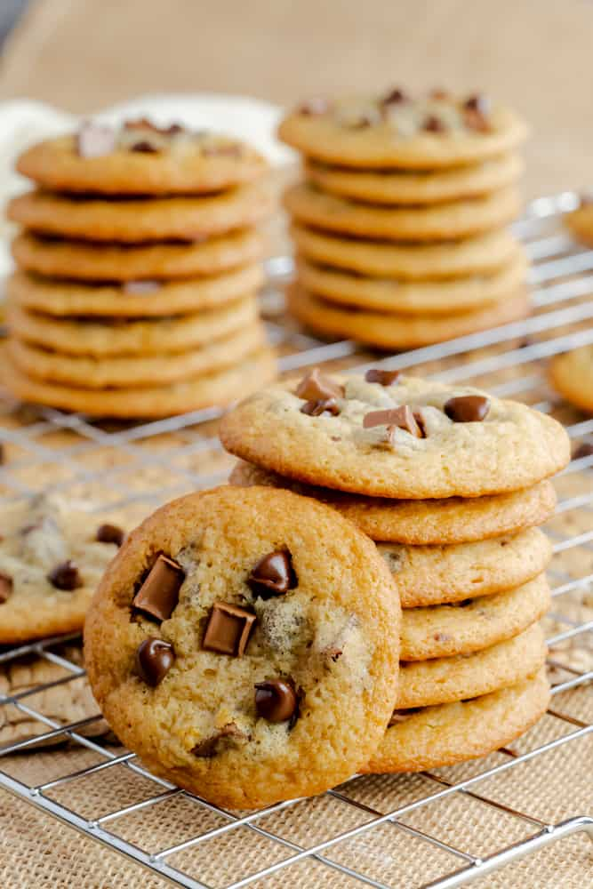 Sink your teeth into these chewy chocolate chip chunk cookies using Karo® Corn Syrup. Every bite is full of chocolate flavor and chewy goodness.
