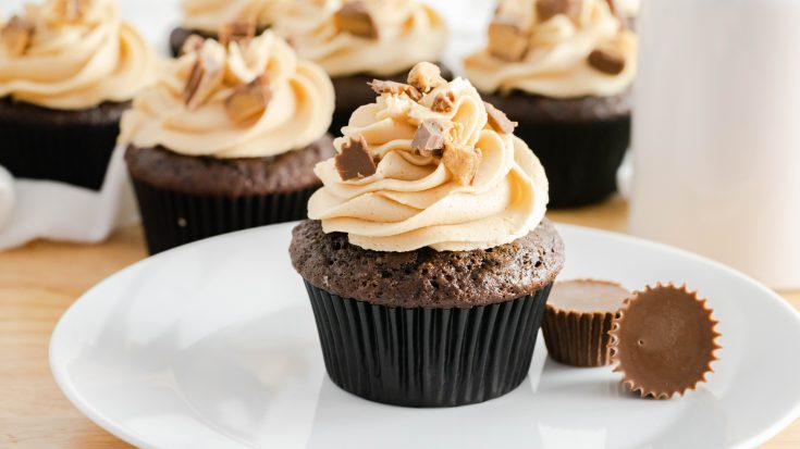 Peanut Butter Buttercream Frosting (Chocolate Cupcakes)
