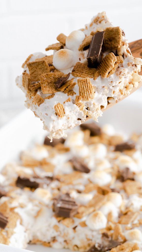 s'more rice cereal treats bar