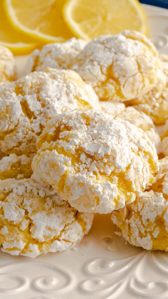 close up of lemon crinkle cookies